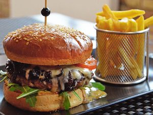 blue chees burger